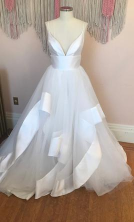 Hayley Paige Andi 3000 Size 10 Sample Wedding Dresses
