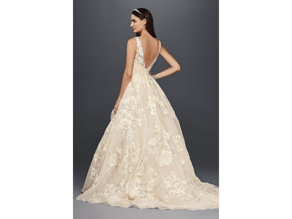 Oleg Cassini $800 Size: 6 | Used Wedding Dresses