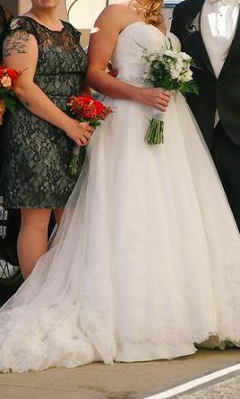 Other $1,400 Size: 10 | Used Wedding Dresses