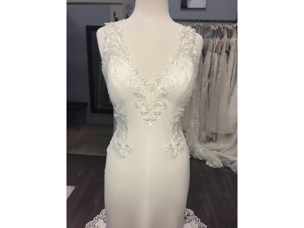 64aa168d Maggie Sottero Veronica Wedding Dress | Sample, Size: 8, $600
