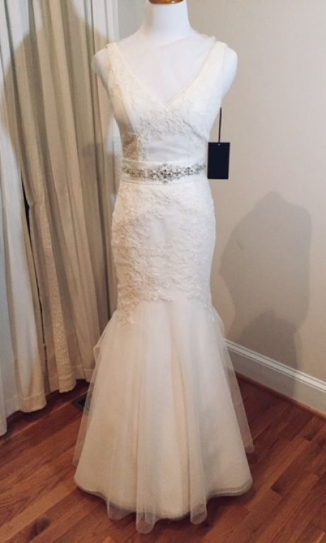 bf62e245f78b Vera Wang White VW351021, $400 Size: 6 | New (Altered) Wedding ...