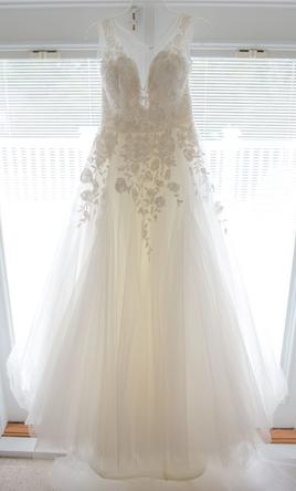 Hayley Paige Leah 1350 Size 10 Used Wedding Dresses