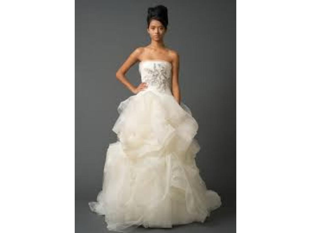 3ae21d373491 Vera Wang Gisele, $3,200 Size: 8 | New (Altered) Wedding Dresses