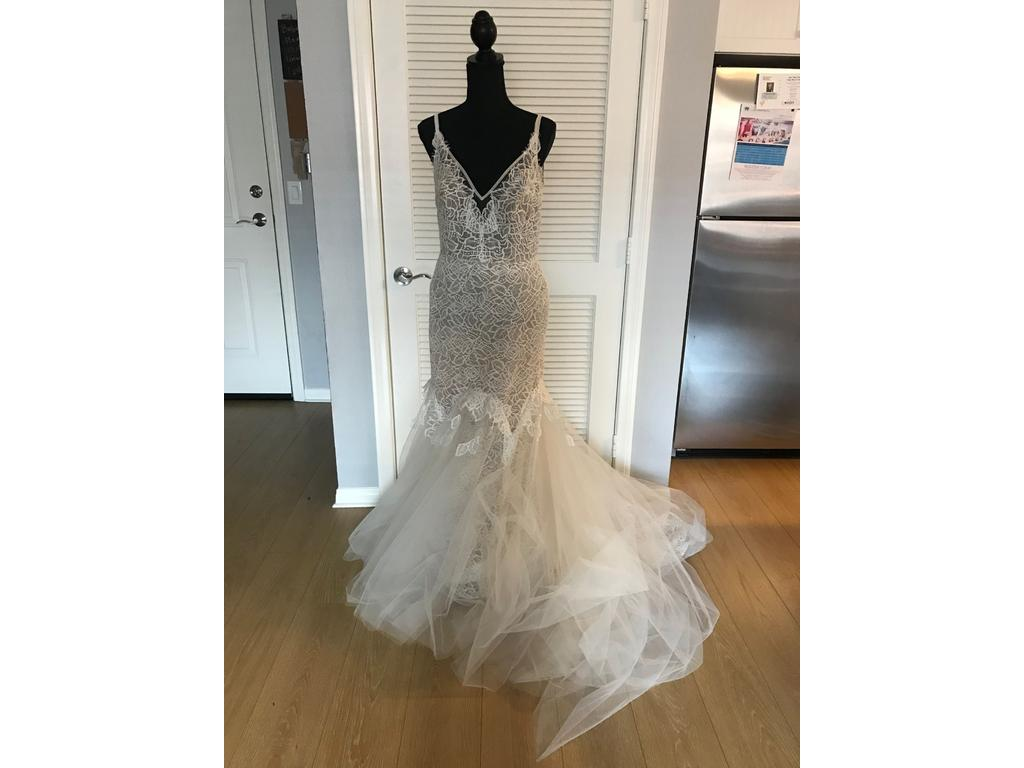 d6add9a3835d7 Hayley Paige Rae, $1,100 Size: 12 | New (Un-Altered) Wedding Dresses